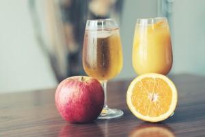 オレンジジュースとりんごジュース