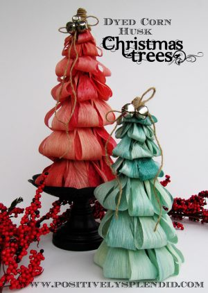 引用:https://www.positivelysplendid.com/2011/12/dyed-corn-husk-christmas-tree-tutorial.html