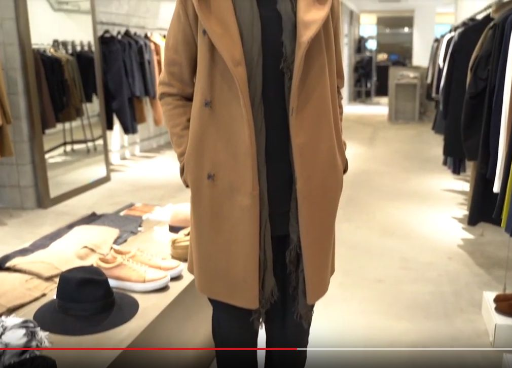 動画で紹介されてるストールの垂らし方